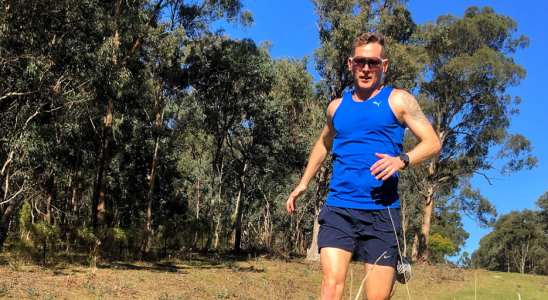 Easy runs aren't so easy when you add beers. It's amazing how you can set yourself up to fail. The final run of the week almost didn't happen. Before we get into the details, the overview went like this: Regeneration 50min Long 2 hours (20km) Recovery work: no run Regeneration 50min 8x1000m @ HM pace w/200m jog Easy 60min Easy 60min Total 71km